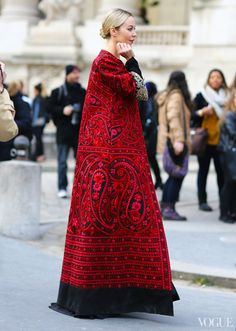 Ulyana Sergeenko Paris Fashion Week, Fall 2013 Photographed by Phil Oh (via Vogue Street Style)