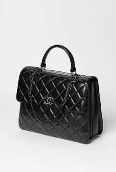 Chanel Bags : Chanel available at Luxury & Vintage Madrid, the world's best selection of contemporary and vintage bags, discover our new arrival ! Chanel available at Luxury & Vintage Madrid, the world's Fall Handbags, Burberry Handbags, Prada Bag, Chanel Handbags, Chanel Bags, Chanel Purse, Chanel Jewelry, Suede Handbags, Large Handbags