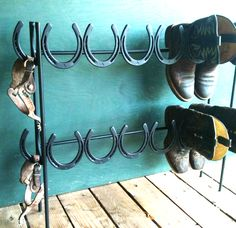 Any cowboys out there in need of a place to hang your boots? #repurpose #cowboy