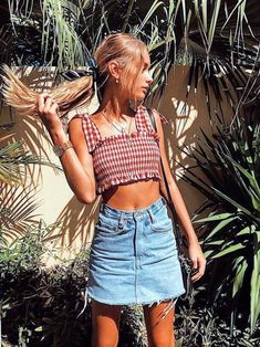 Stunning Summer Outfits With Mini Skirt You Would Love To Try This Summer; Summer Outfits With Mini Skirt; Stunning Summer Outfits With Mini Skirt; Mini Skirt For Summer; Casual Outfits, Cute Outfits, Fashion Outfits, Womens Fashion, Fashion Trends, Skirt Outfits, Fashion Fashion, Swag Outfits, Amazing Outfits