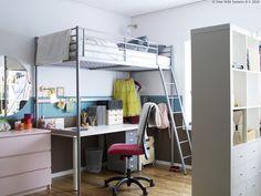Razmišljaš o tome da svojoj djeci stvoriš prostor za učenje? Prostor ispod TROMSÖ okvira povišenog kreveta može biti dobro rješenje za radni stol. www.IKEA.hr/TROMSO