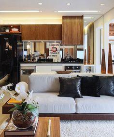 Integração total do living e cozinha, nos amamos ❣❣ Projeto de Claudia Albertini @claudiaalbertiniarquitetura
