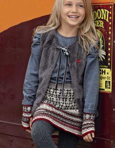 Схема и описание вязания на спицах детской юбки с жаккардовым узором  из журнала «Verena» №4/2015