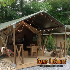 Check it out! Glamping in Gatlinburg! This would be a great romantic anniversary getaway with the hubs!