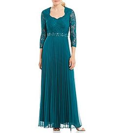Decode 1.8 Sweetheart Neck Scalloped Lace Bodice Gown