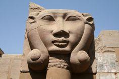 The goddess Hathor with lateral ringlets. Column from the temple of Khnum in Elephantine Island. Photo: Mª Rosa Valdesogo Martín.