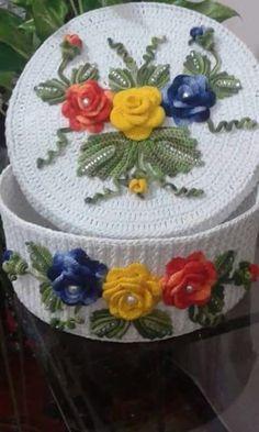 Christmas Crochet Patterns Part 9 - Beautiful Crochet Patterns and Knitting Patterns Crochet Rug Patterns, Christmas Crochet Patterns, Crochet Motif, Crochet Designs, Knitting Patterns, Crochet Christmas, Crochet Box, Crochet Gifts, Irish Crochet