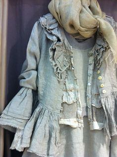 So cute- denim look blouse- We could make it!: chandail 2012 110