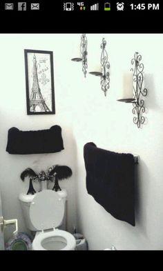 Simple Paris decorated bathroom.