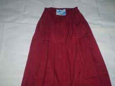 Rok Panjang Seragam Sekolah Harian Warna = Merah Ukuran No 1  Lingkar Pinggang = 42 cm, Berkaret Molor  Panjang = 69 cm  Bahan = Drill http://tokoyuan.com/seragam-wanita/rok-panjang-sd-no-1/