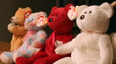 A good Beanie Baby Appraisal Guide helps you price beanie babies for resale. Read this easy-to-use guide for real-world beanie babies' pricing guidelines. Sell Beanie Babies, Valuable Beanie Babies, Beanie Babies Value List, Beanie Babies Worth Money, Most Expensive Beanie Babies, Beenie Babies, Baby Beanies, Doutzen Kroes, 90s Childhood