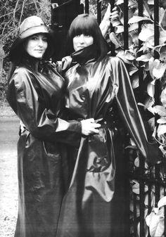 Raincoats For Women Beautiful Black Raincoat, Pvc Raincoat, Hooded Raincoat, Black White Photos, Black And White, Black Mac, Rubber Raincoats, Rain Gear, Weather Wear