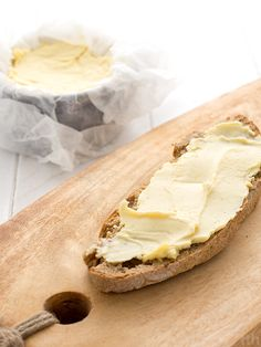 true taste hunters: Vegan butter with millet Butter Cheese, Vegan Cheese, No Dairy Recipes, Vegan Recipes, Russian Recipes, Vegan Butter, Vegan Vegetarian, Food Porn, Food And Drink