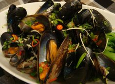 Mussels steamed in Sake with ginger and chilli