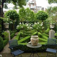 "1,056 Likes, 17 Comments - @atelier_vignette on Instagram: ""Petit jardin .... create a garden #frenchgardens #gardenstyling #boxwoods #hedges #gardenstyles…"""