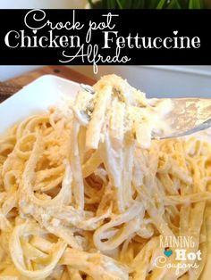 Crock Pot Chicken Fettuccine Alfredo - This is the BEST Alfredo Sauce ever and SUPER easy! Click through for the recipe... Raining Hot Coupons