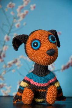 Knit your own dog:  Funky dog amigurimi by ElinAmanda.