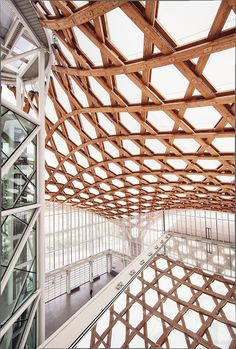 Centre Pompidou-Metz by Shigeru Ban and Jean de Gastines. Photos by Kevin Louage.