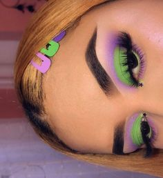 #halloween witch makeup ideas #simple makeup ideas for halloween #halloween wome Natural Makeup For Brown Eyes Halloween Ideas Makeup simple Witch wome