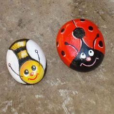 Beautiful & Unique Rock Painting Ideas , Let's Make Your Own Creativity Painted rocks have become one of the most addictive crafts for kids and adults Pebble Painting, Pebble Art, Stone Painting, Diy Painting, Painting Flowers, Painting Tools, China Painting, Painted Rock Animals, Painted Rocks Craft