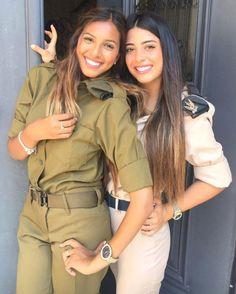 IDF - Israel Defense Forces - Women Israeli Female Soldiers, Israeli Girls, Idf Women, Save The World, Make Love, Brave Women, Military Women, Girls Uniforms, Sensual