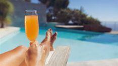 Slipa sommarformen med gröna drinkar. Testa en fräsch detox som får kroppen att jubla. Med hälsosamma och goda juicer och smoothies kan du bli av med två kilo på bara fem dagar.
