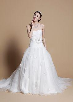 2013 Fall Strapless Organza bridal gown