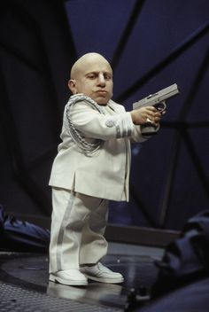 RDB Holdings & Consulting 8 x 10 in. Verne Troyer Signed Austin Powers Mini Me Photo Holding Gun Movie Photo, Movie Stars, Movie Tv, Austin Powers Goldmember, Oscar Best Picture, International Man Of Mystery, Fame Game, Star Wars, Mini Me