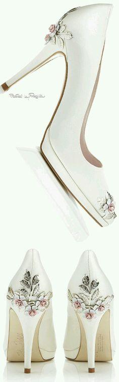 Zapatillas de boda con aplicaciones