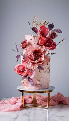 big wedding cakes Weve prepared the most trendy wedding cake styles for your inspiration. heck out top 10 wedding cake trends for every style, theme, and budget Wedding Cake Red, Pretty Wedding Cakes, Unique Wedding Cakes, Wedding Cake Designs, Pretty Cakes, Trendy Wedding, Wedding Themes, Wedding Colors, Fancy Cakes