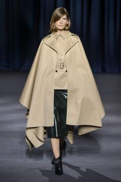 Givenchy Fall-winter - Ready-to-Wear Fashion Cover, Fashion Line, High Fashion, Fashion Looks, Womens Fashion, Autumn Fashion 2018, Spring Fashion, Clothes Encounters, Couture Fashion