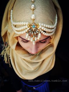 Amazingly stunning Hijab chain from www.facebook.com/pages/Aridan-Jewellery/ Scarf from www.facebook.com/OnlyHijab