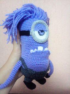 minion malvado amigurumi Minion Crochet, Diy Crochet, Crochet Dolls, Crochet Hats, Crochet Ideas, Amigurumi Patterns, Crochet Patterns, Origami, Lily