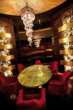 Restaurant Boom & Brass Budapest Hungary | Visionnaire Home Philosophy