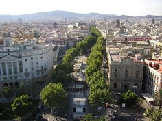 Las Ramblas taken from the Columbus Monument by Nigel's Europe. CC BY-SA 2.0.