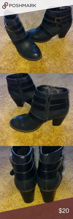 Rampage Ladies boots sz 8.5 .vinci . Rampage ladies sz 8.5 ankle boots .brand new condition!!! Black with silver metal bukles. Rampage Shoes Ankle Boots & Booties