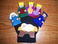 Nativity Story Glove Puppet with Rhyme Christmas Bible, Preschool Christmas, Christmas Mom, A Christmas Story, Preschool Crafts, Christmas Crafts, Glove Puppets, Felt Finger Puppets, Puppets For Kids