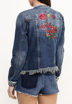 Embroidered Jean Jacket You Should Own denim jacket denim embroidered denim jean jacket Chic Outfits, Fashion Outfits, Embroidered Denim Jacket, Denim Ideas, Jeans Denim, New Fashion Trends, Denim Outfit, Casual Street Style, Fashion Fabric