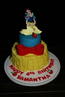 Snow White Cake by Sugar Bakeshop Snow White Cake, Disney Movie Characters, White Cakes, Cake Board, Take The Cake, Mickey And Friends, Birthday Cake, Sugar, Dessert Ideas