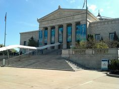 The Shedd aquarium in Chicago contains over 25,000 fish, and was for some time the largest indoor aquarium in the world with 5,000,000 US gallons of water.