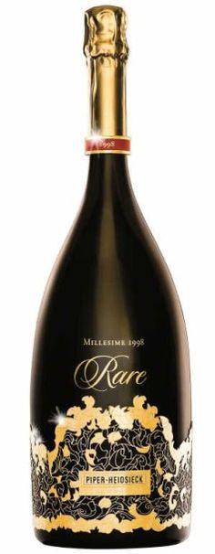 Damien LAFAURIE PIPER-HEIDSIECK  Magnum de champagne Cuvée Rare. En 1998, Rare développe une structure caressante, toute en dualité et à la personnalité intemporelle, qui se livre dans toute sa richesse et sa complexité. C'est un vin aux bulles fines et distinguées, aux notes crémeuses et de fruits exotiques. Rare, c'est une bouteille extraordinaire, un travail d'orfèvre, une oeuvre d'art qui couronne cette cuvée reine si rare et précieuse d'une tiare - Audap-Mirabaud - 01/10/2015…