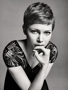 michelle williams, in a great pixie haircut