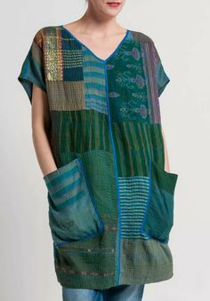 Mieko Mintz Brocade Patched French Sleeve Tunic in Green Quilted Clothes, Sewing Clothes, Diy Clothes, Boho Fashion, Fashion Design, Fashion Tips, Fashion Ideas, Petite Fashion, Retro Fashion