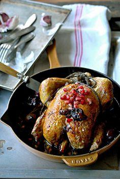 pollo asado, pollo al horno, pollo con uva negra y granada, pollo
