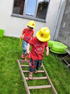 Obstacle training and game ideas for party. 6th Birthday Parties, Third Birthday, Boy Birthday, Fireman Party, Firefighter Birthday, Fireman Sam, Paw Patrol Birthday, Paw Patrol Party, Cumple Paw Patrol