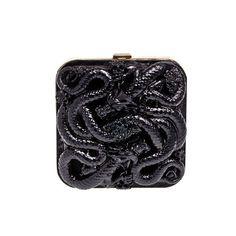 Minaudière Emilio Pucci http://www.vogue.fr/mode/shopping/diaporama/shopping-chine-orient-express-asiatique-orient/12358/image/739124#minaudiere-en-metal-et-dragons-sculptes-2990-euros