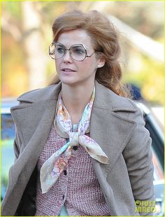 Keri Russell & Matthew Rhys Go Undercover in New Set Photos from 'The Americans' Keri Russell, Rob Love, Fx Tv, Elizabeth Jennings, The Americans Tv Show, Etiquette And Espionage, Matthews Rhys, American Series, Moving Pictures