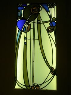 Charles Rennie Mackintosh 1901 , Berlin (Glass Window from the Mutheslus House), (Museum of Art and Design), Hamburg, (Germany) Stained Glass Patterns, Stained Glass Art, Stained Glass Windows, Mosaic Glass, Charles Rennie Mackintosh, Arts And Crafts Movement, Art And Craft Videos, Vase Design, Glasgow School Of Art