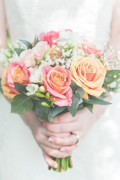 Peach and Green / Rose Coral Bouquet Flowers Bride Bridal Gypsophila Coral Wedding Flowers, Prom Flowers, Bridal Flowers, Flower Bouquet Wedding, Bouquet Flowers, Coral Roses, Peach Wedding Bouquets, Wedding Colors, Bridal Bouquet Coral