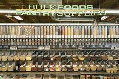 プライベートブランドの自然派アイテムが人気の「ホールフーズ・マーケット」
